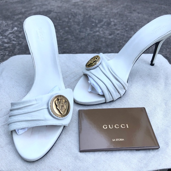 Gucci Off White Slides with Logo Button Size 7